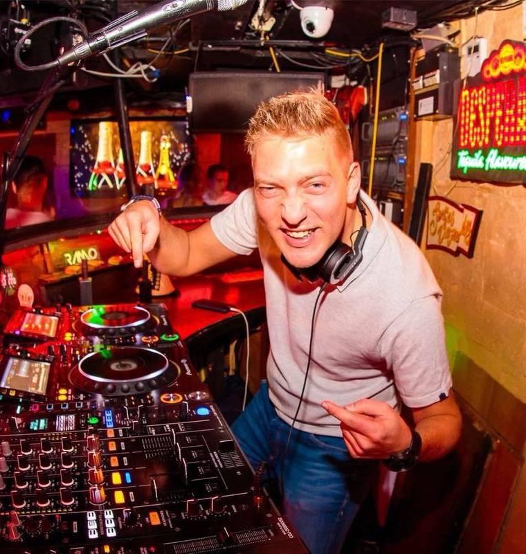 DJ Sylvie Thijs
